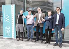 The previous deans handing over to the new ones (from left to right): Prof. Dr.-Ing. Maren Heinemann, Prof. Dr.-Ing. Andreas Jahr, Prof. Dr.-Ing. Walter Müller, Prof. Dr.-Ing. habil. Martin Ruess, Prof. Dr.-Ing. Matthias Neef.